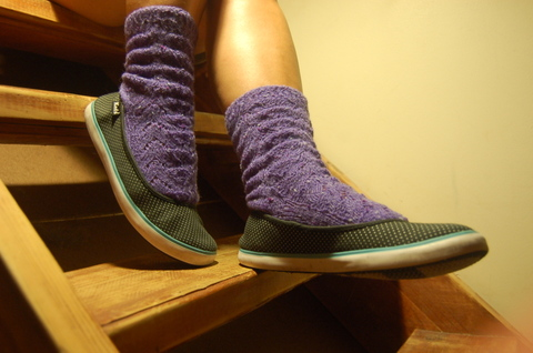 Monkey_socks_purple